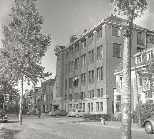 1956-10  (4) Bas den Oudsten